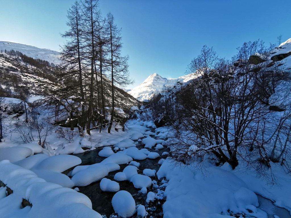 Bonneval sur Arc en hiver : balade direction l'Ecot