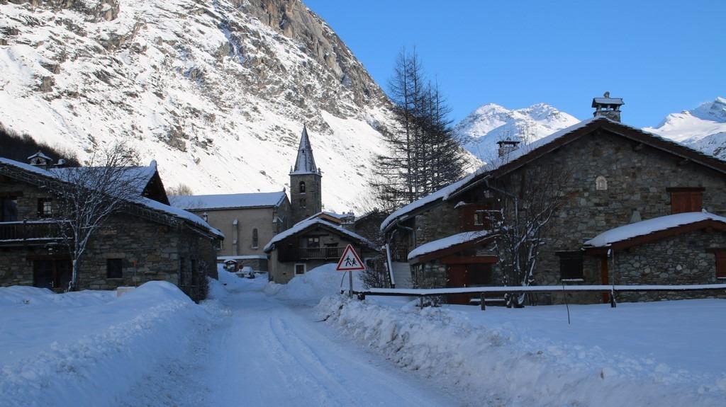 Bonneval sur Arc en hiver : entrée vieux village
