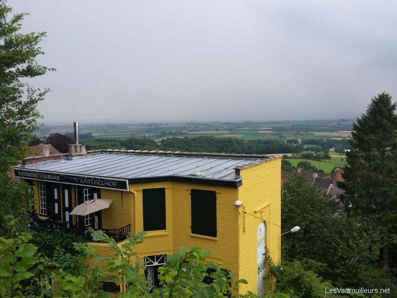 Allons en Flandre voir le Mont Cassel, son moulin, son estaminet