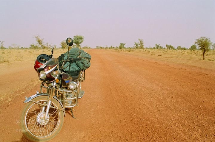 Fabrice Dubesset et son voyage en moto en Afrique de l'Ouest