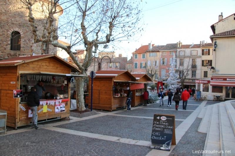 Ambiance de Noël sous le soleil d'hiver de la Côte d'Azur …