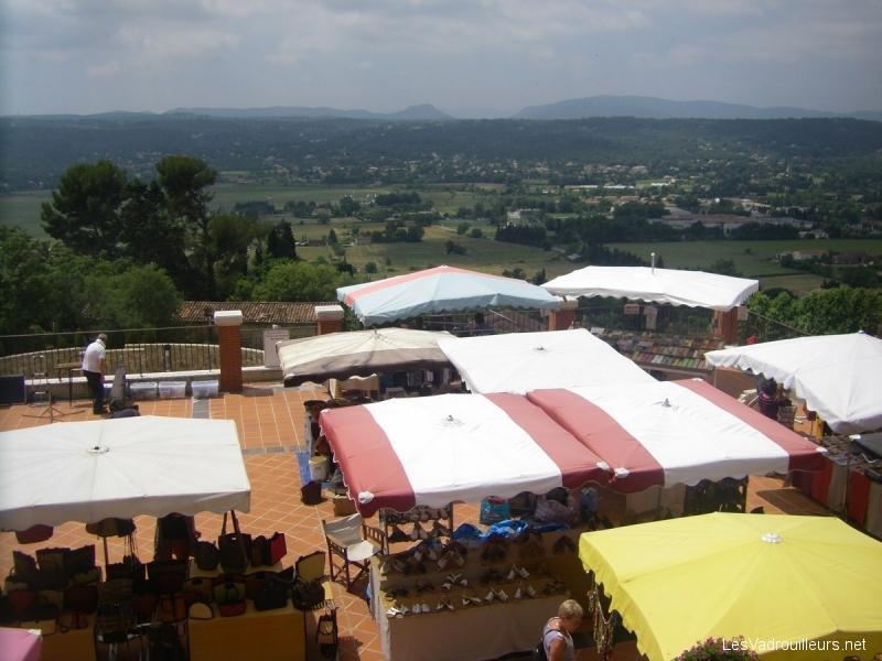 Sur la place Thiers de Fayence : un beau petit marché de Provence !
