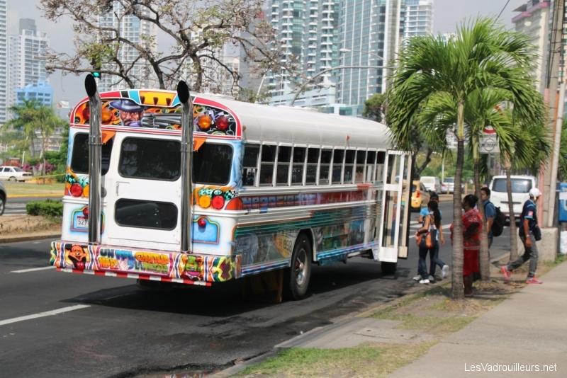 On a visité les écluses de Miraflores et dormi à Panama City