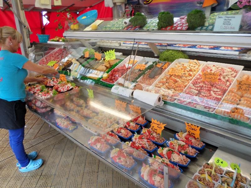 Test d'un stand de spécialités de poissons à Ostende en Belgique